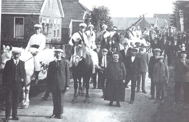 feest ter gelegenheid van de opening van de Dieftilschool Leermens 1935