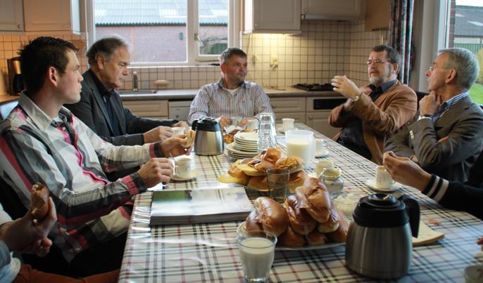 Keukentafelgesprek : Een keukentafelgesprek, ditmaal in Friesland. Het gaat over koecomfort