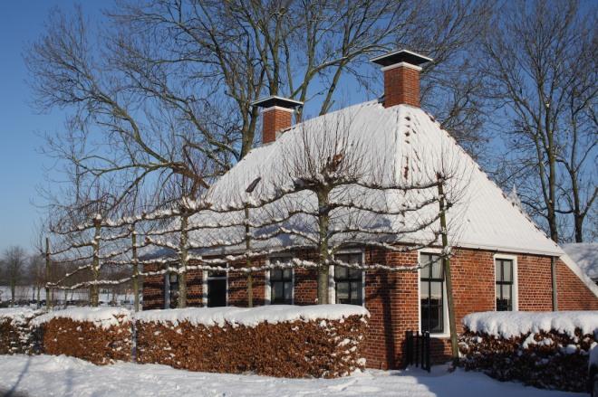 Mooi-huis-in-leermens-winter-2009